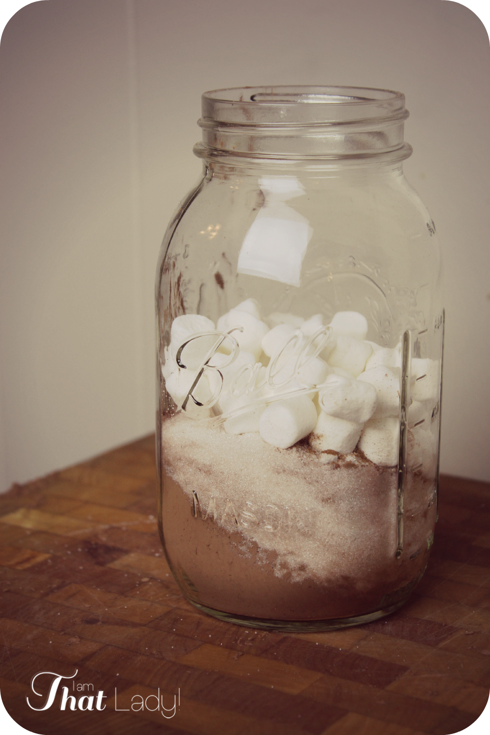 Are you looking for an inexpensive christmas gift?  Here is a great recipe for homemade Cinnamon hot Chocolate mix and how I can make 12 of these for under $20!