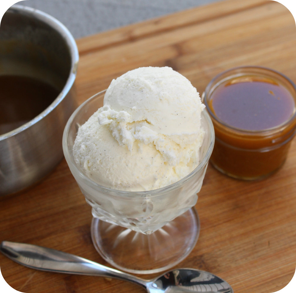 Are you wondering how to make homemade caramel sauce? This is such an easy recipe and it uses only four ingredients that you probably already have in your pantry right now! You can use this over ice cream, apple pie, mix with popcorn, etc. Head on over to see how to make this super simple homemade caramel sauce recipe.