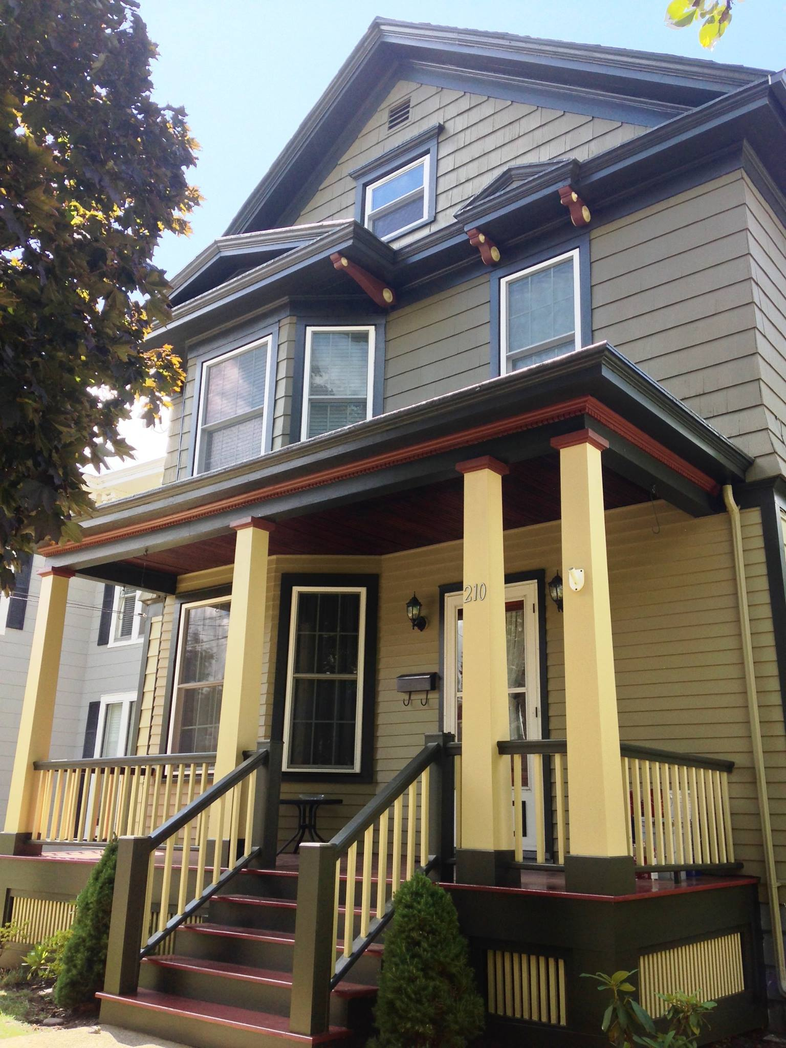 Wondering whether to get your house sided with vinyl or to get it painted One option is much more affordable AND more beautiful!